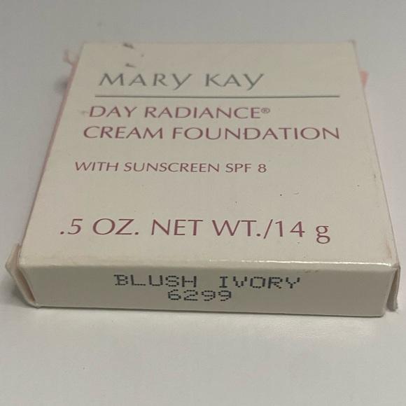 Mary Kay Day Radiance Cream Blush Ivory